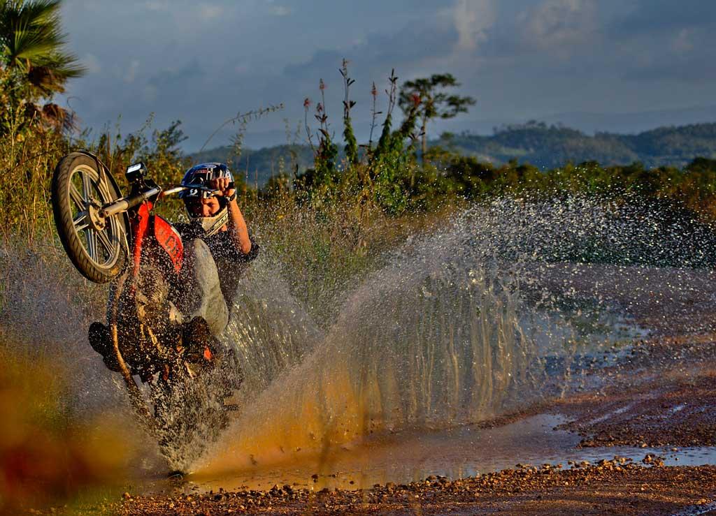 motorcycle 3155829 1280 - Choisir son Casque moto
