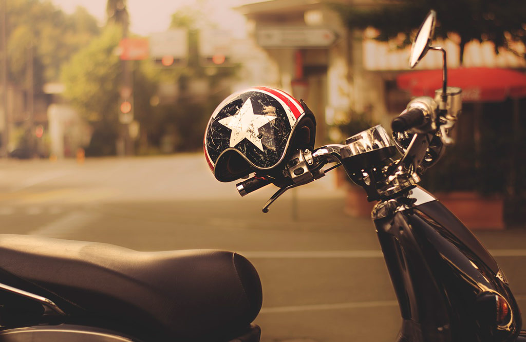 vespa 1622098 1280 - Choisir son Casque moto